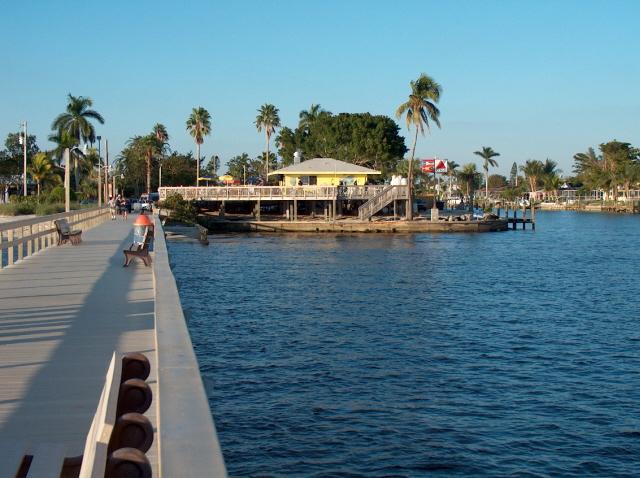 Yacht Club Park Pier